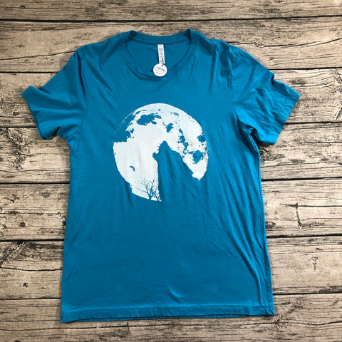 Howlin' at the Moon Tee