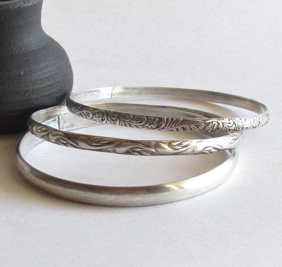 Heartsabustin - Sterling silver bangle bracelets, set of three