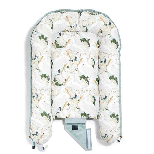 Babynest - Heron in cream lotus