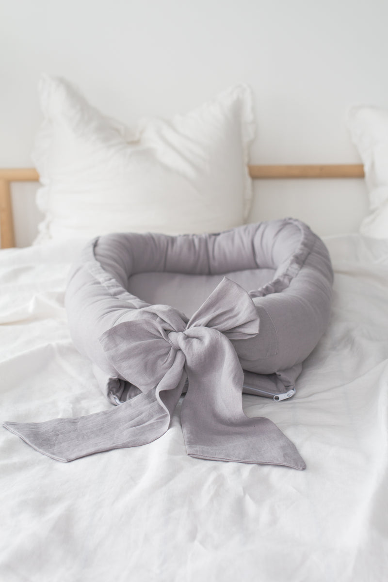 Premium Babynest - Dreamy Grey with Bow