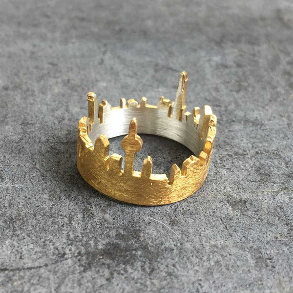 Berlin silhouette ring - gold plated
