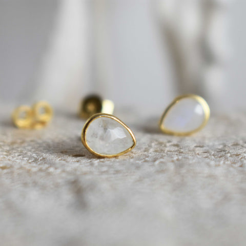 moonstone | 'laia' earstuds | 24k gold-plated