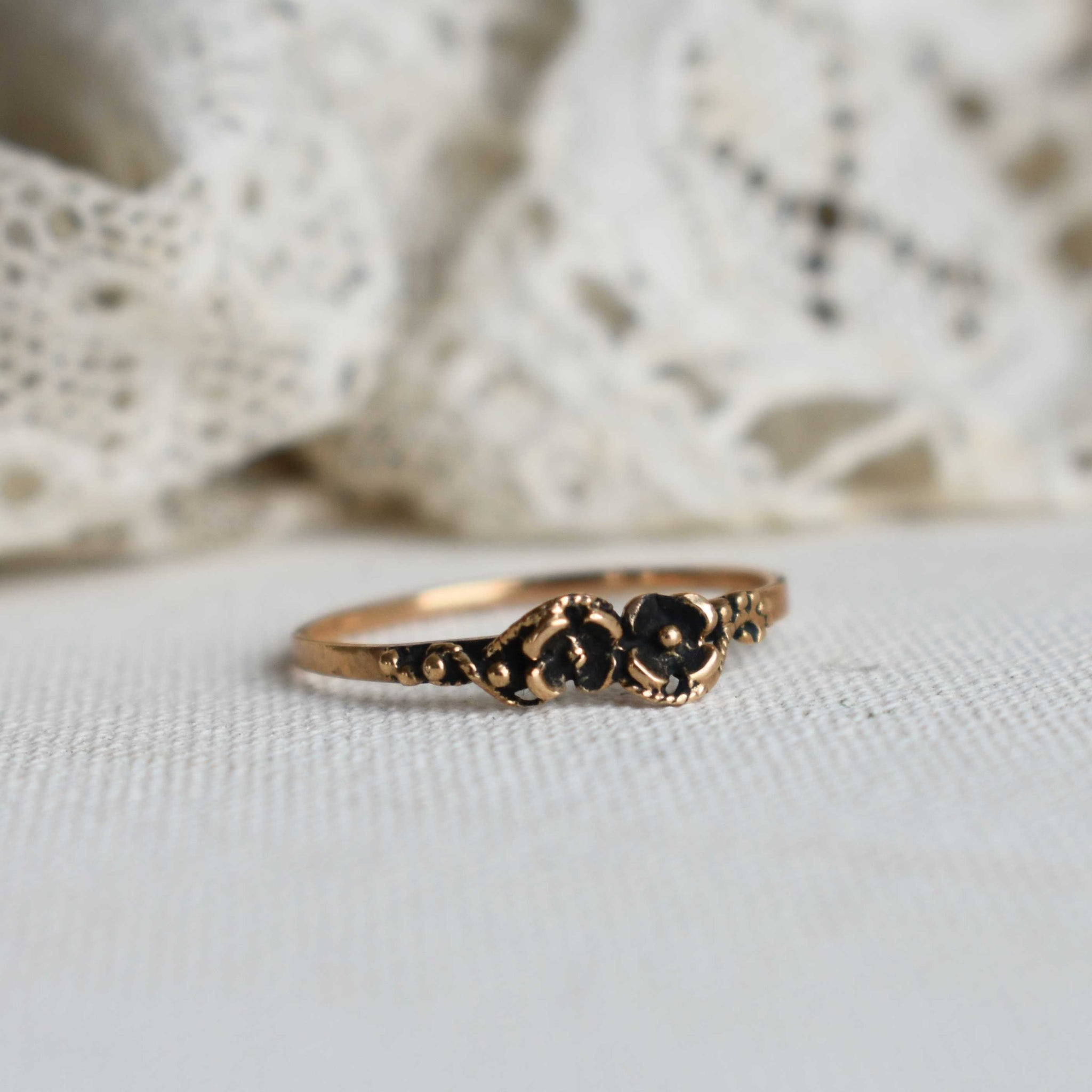 'little flowers' ring | bronze