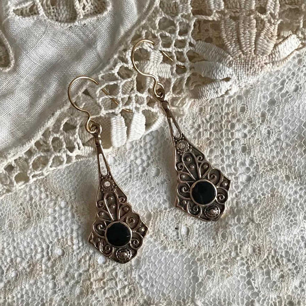 iona earrings with onyx