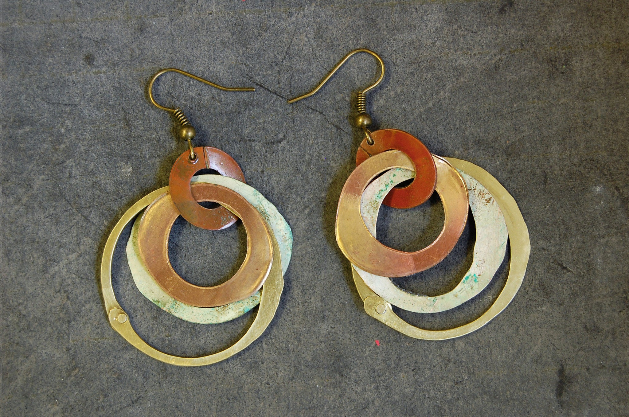 'argentine circles' earrings | oxidized copper