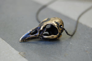 bird skull necklace (dark painted)