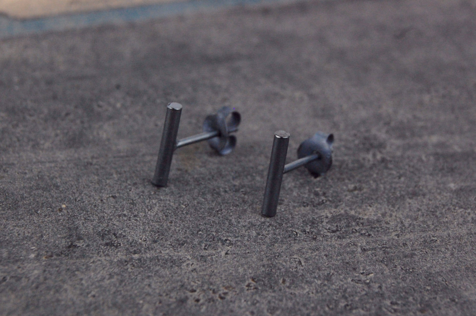 small stick earstuds | 925 silver oxidized