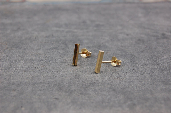 small bar earstuds | 24k gold-plated