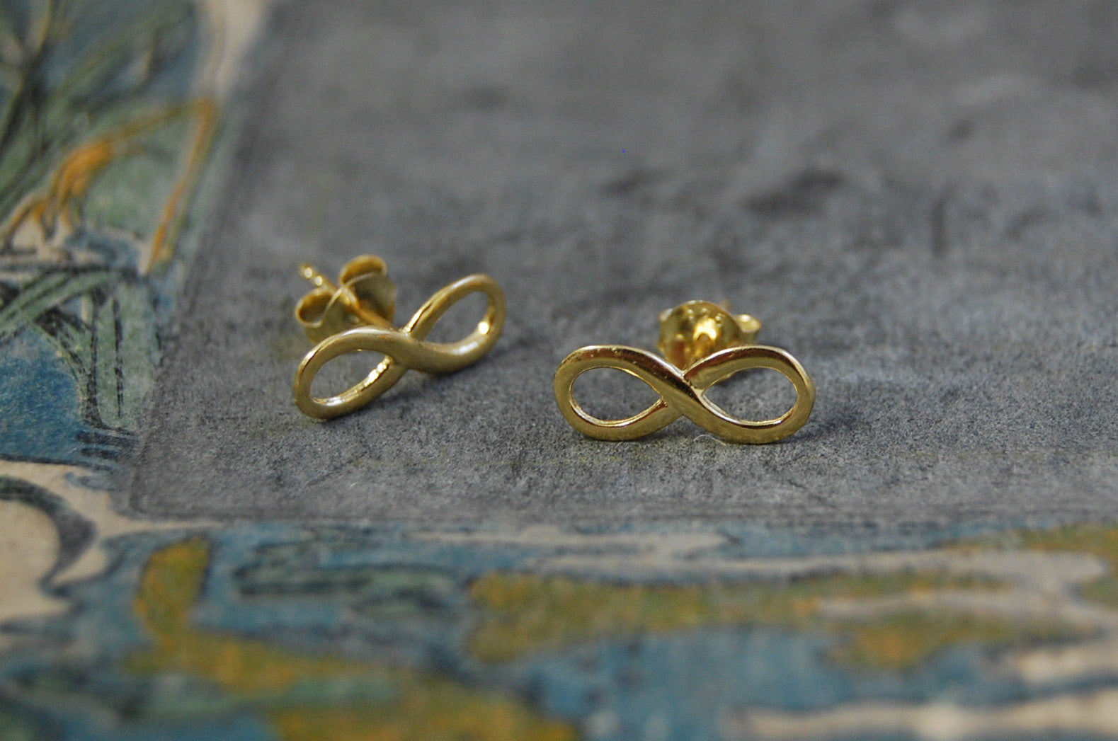 'infinity' earstuds | 24k gold-plated