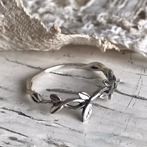 olive leaves ring - silver