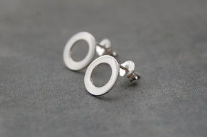 circle earstuds (925 silver)