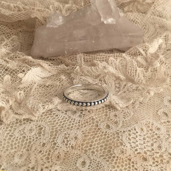 classy lace ring - silver