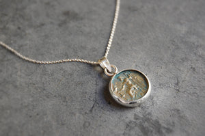 roman coin pendant (15/15mm) necklace