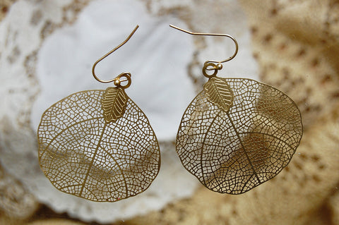 filigree rounded leaf earrings