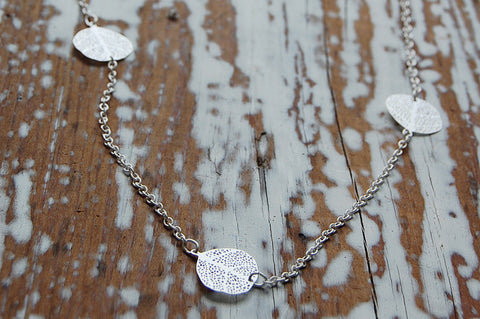 filigree leaves necklace (silver plated)