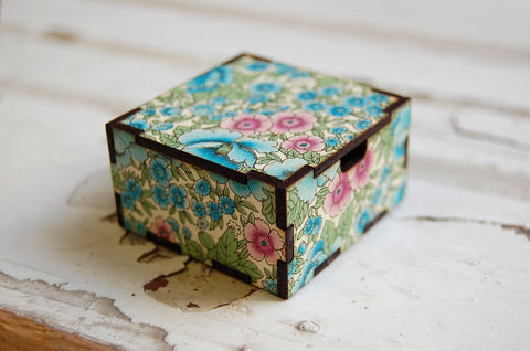 floral blue/green/pink gift box (small)