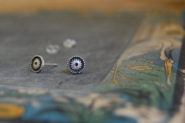 'cog' round earstuds | 925 silver