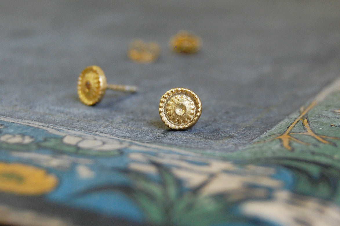 golden flower earstuds (gold-plated 925 silver)