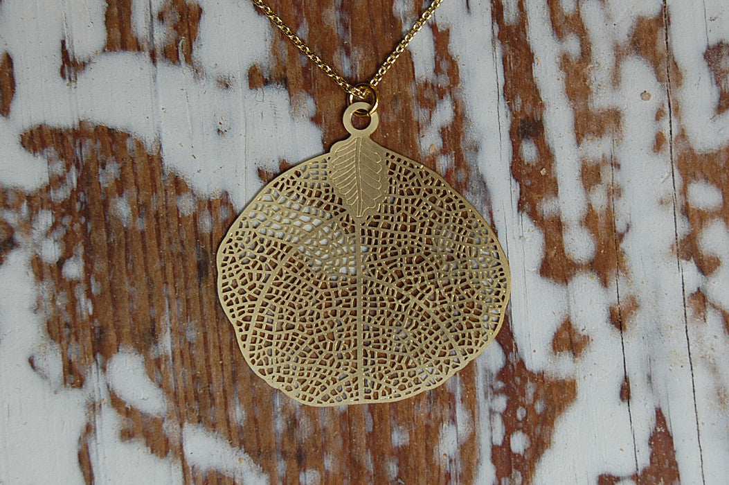 filigree leaf necklace (gold plated)