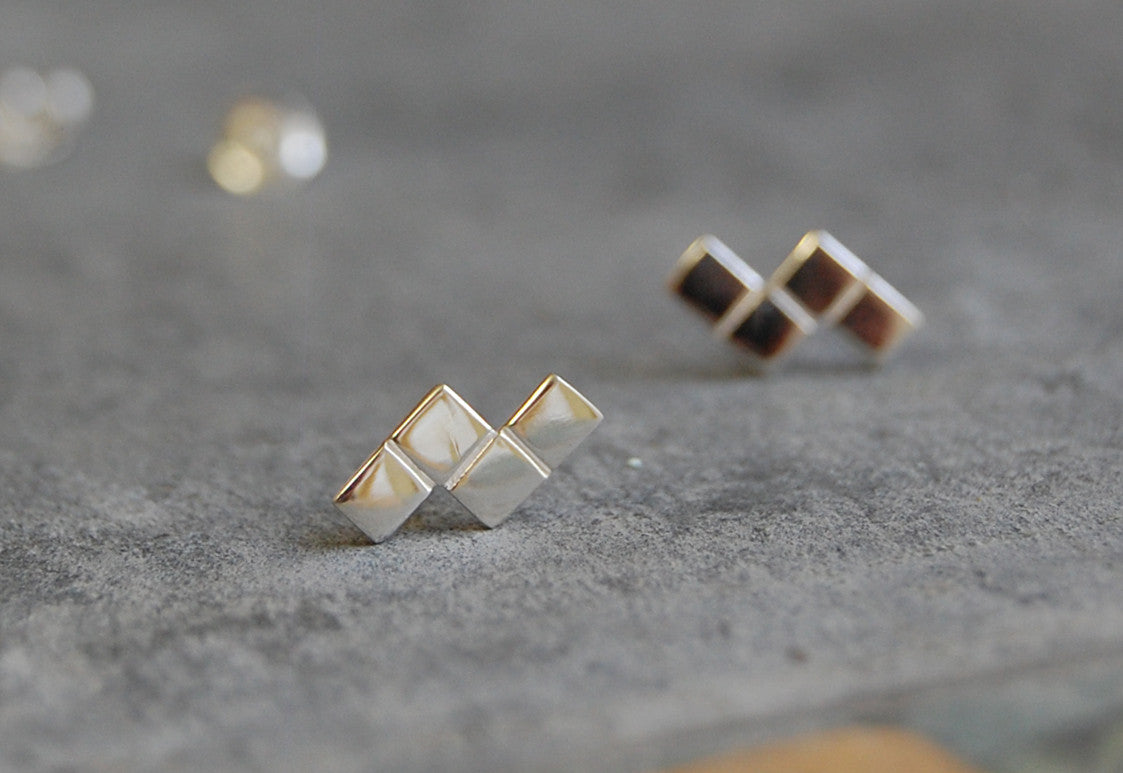 grid earstuds - 4 squares shape (925 silver)