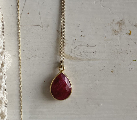 ruby | stone necklace | 24k gold-plated