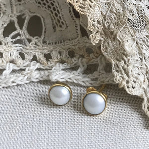 pearl | 'laia' earstuds | 24k gold-plated