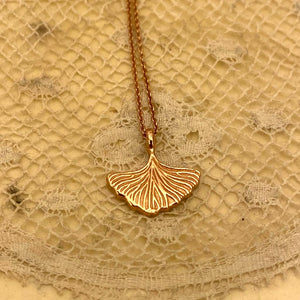 *Gingko* leaf necklace Rosé