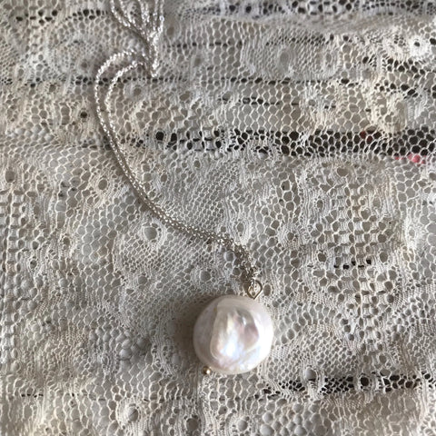 Coin pearl necklace - silver
