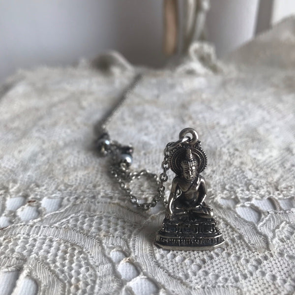 'sitting Buddha' necklace | silver plated