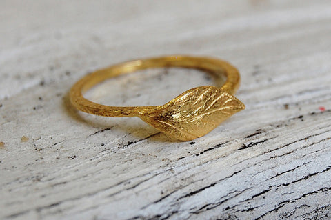 leaf ring (gold plated)