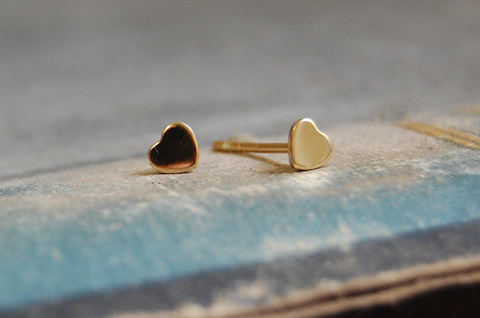 mini hearts earstuds