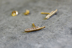 feather ear studs (925 silver gold-plated)
