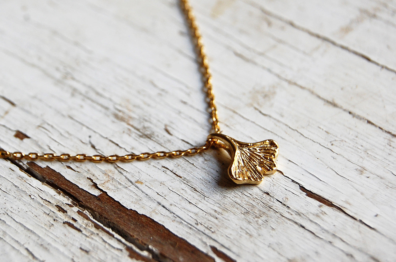 Ginkgo leaf necklace (925 silver gold plated)
