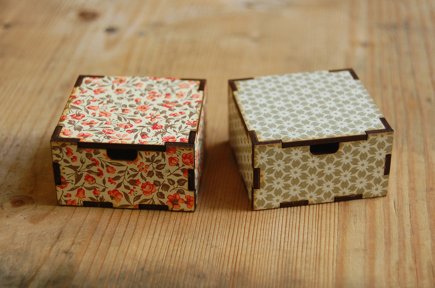 gold pattern gift box (small)