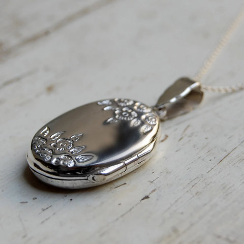 'floral' design locket necklace (925 silver)