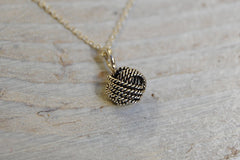 knot necklace (small)