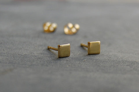 mini square earstuds (silver gold-plated)