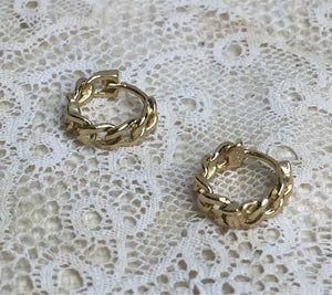 tiny chain hoops - gold plated