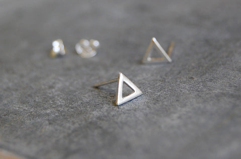 triangle earstuds (925 silver)