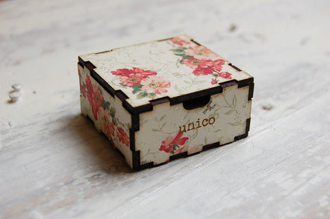 vintage floral gift box (small)