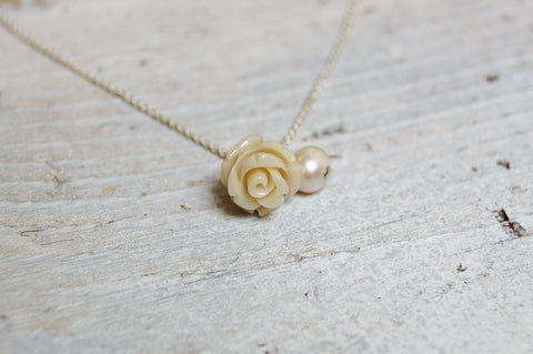 rose (white) & pearl necklace