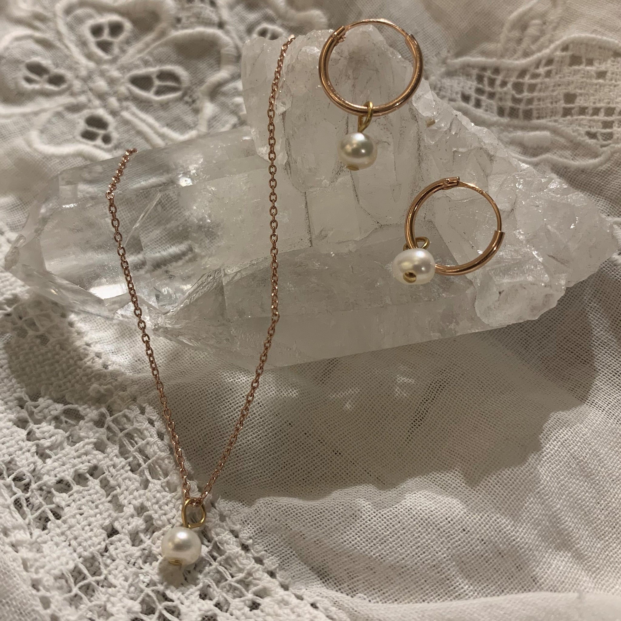white pearl set | 24k rose gold-plated