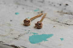 knot earstuds (gold plated )