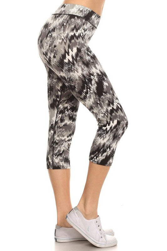 Abstract Print Women's Capri Leggings |  | Activewear | JacksonsRunaway