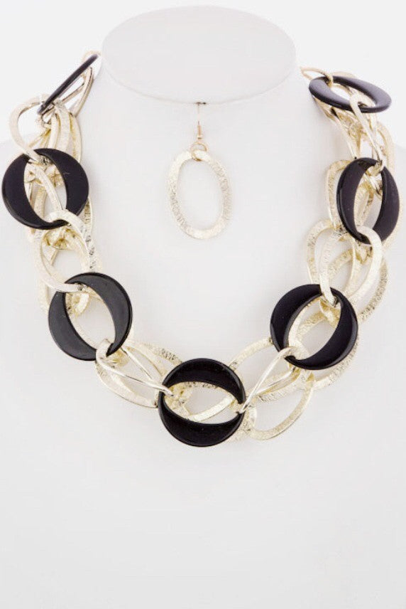 Connect The Links Statement Necklace - Jacksons Runaway