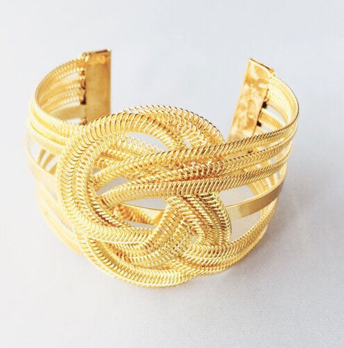 Looped In Cuff Women s Bracelet - Gold Image 2 | JacksonsRunaway