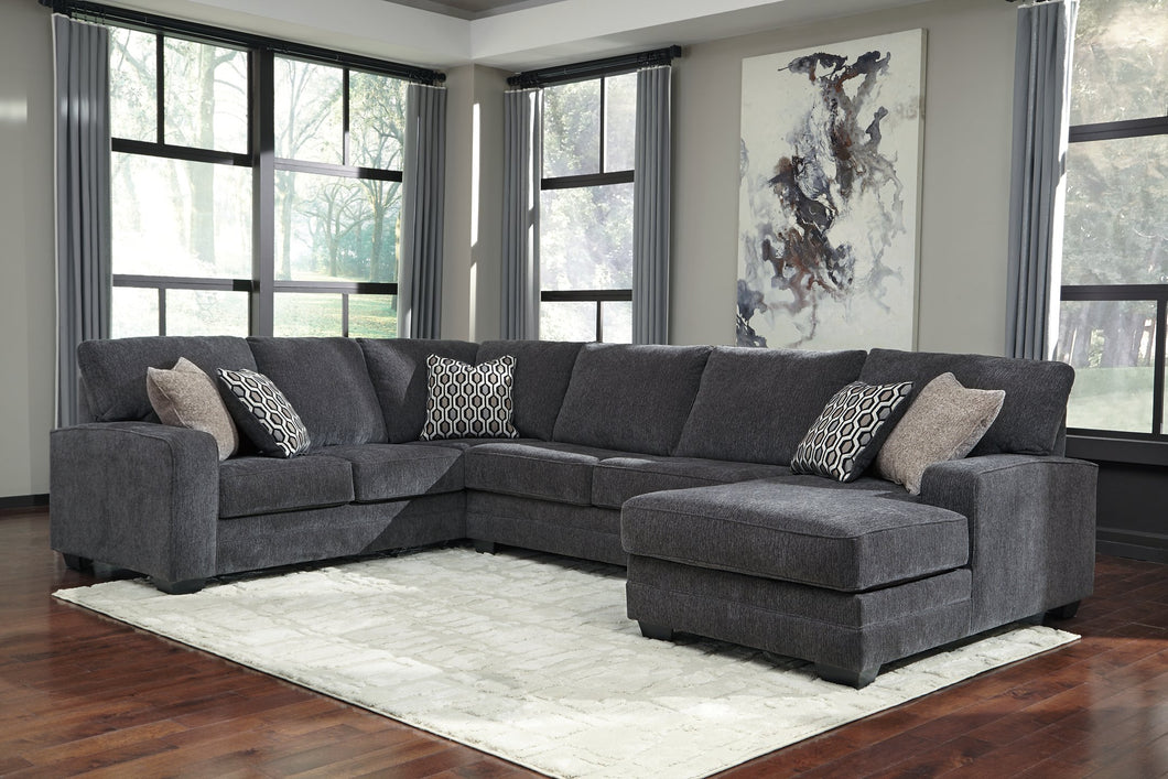Tracling Benchcraft 3-Piece Sectional with Chaise