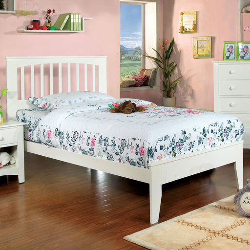 Pine Brook White Full Bed image