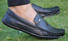 Load image into Gallery viewer, Elegant Black Solid Synthetic Leather Men's Loafers - vezzmart