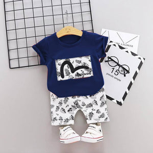 Amazing White Polycotton Printed Kid's Clothing Set - vezzmart